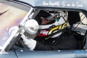 Guido van der Garde wacht geconcentreerd op het teken waarop hij met de AC Cobra aan zijn stint mag beginnen tijdens de Historic Grand Prix Zandvoort
