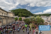 Drukte tijdens de parade van de Total 24 Hours of Spa in het centrum van Spa
