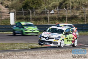 Sebastiaan Bleekemolen pakte twee keer winst in de Renault Clio Benelux Cup