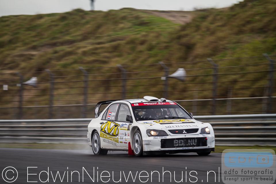 Bob de Jong en Kees Hagman in een Mitsubishi Lancer WRC op weg naar winst in de RallyPro Circuit Short Rally 2014