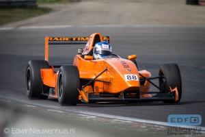 De DNRT Vrije Formule Klasse, een van de klasses die op vrijdag 5 april het DNRT seizoen 2014 mochten openen