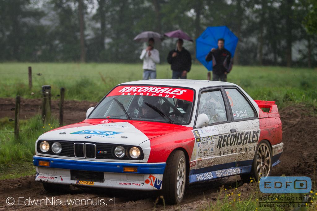 Jan Nijhof en Henk-Jan Elbert op weg naar winst in de Rally van Putten