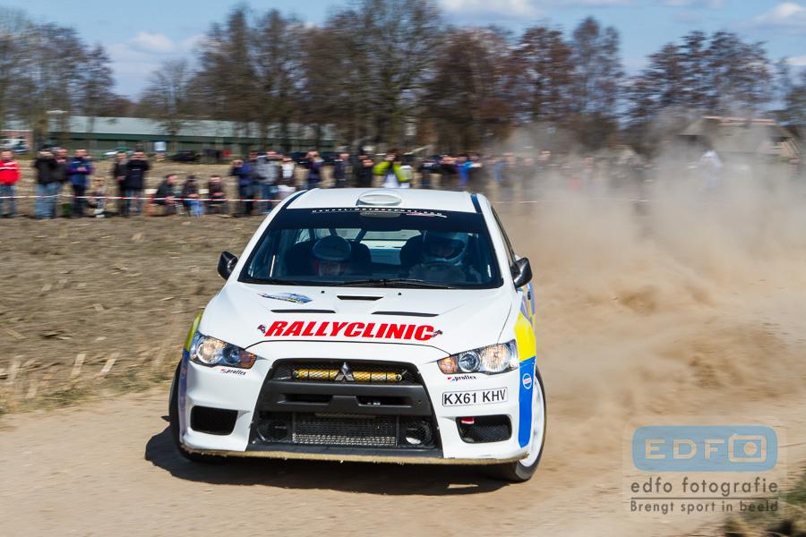 Jasper van den Heuvel en Lisette Bakker winnen de OVD Groep Ede Short Rally in een Mitsubishi Lancer EVO 10