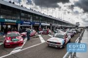 DNRT Endurance Finale Races 2014 op Circuit Park Zandvoort - Drukte in de pitstraat voor de start van race twee