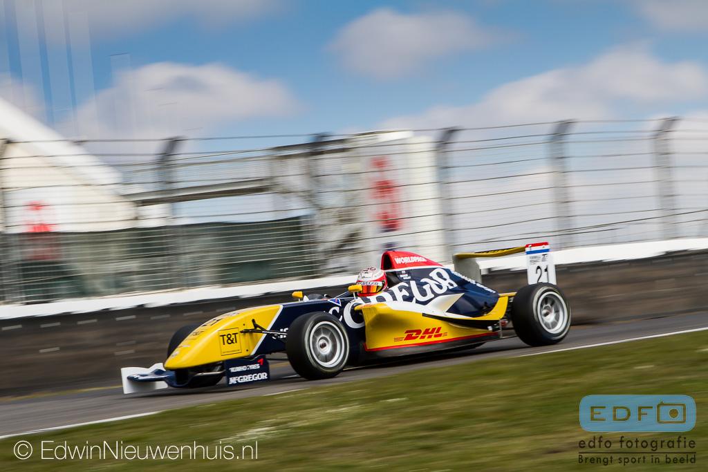 Boris Kolff in de Provily Racing Formula Renault 1.6 tijdens de Paasraces