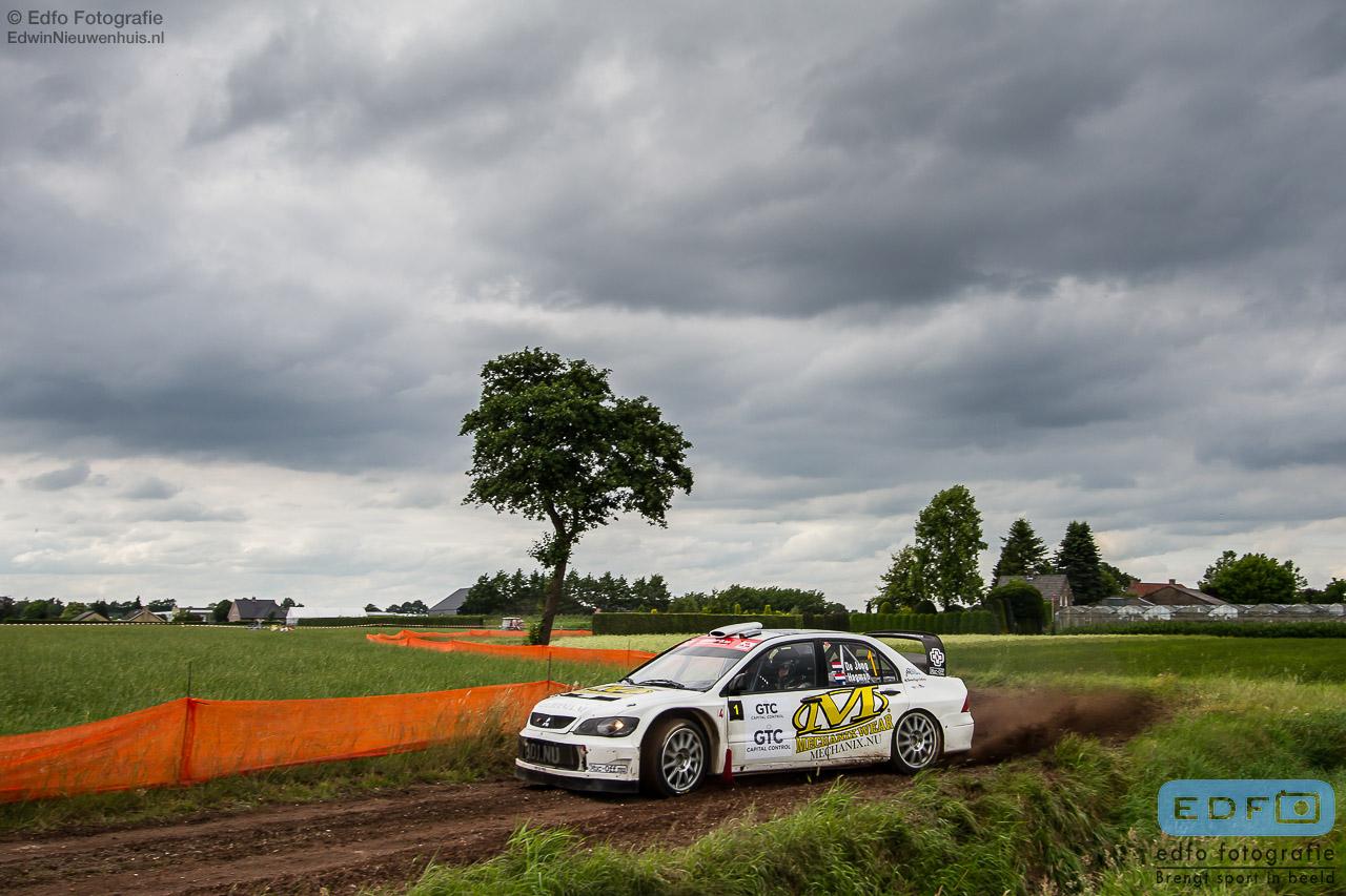 Bob de Jong en Kees Hagman winnen met hun Mitsubishi Lancer WRC 05 de GTC Rally 2014 in Etten-Leur